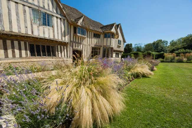 Manor House Country Garden design